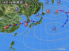 実況天気図(2015年04月19日)