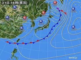実況天気図(2015年04月21日)
