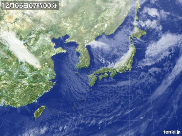 https://storage.tenki.jp/archive/satellite/2014/12/06/07/00/00/japan-near-large.jpg