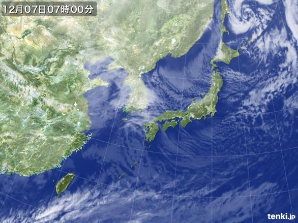 https://storage.tenki.jp/archive/satellite/2014/12/07/07/00/00/japan-near-large.jpg