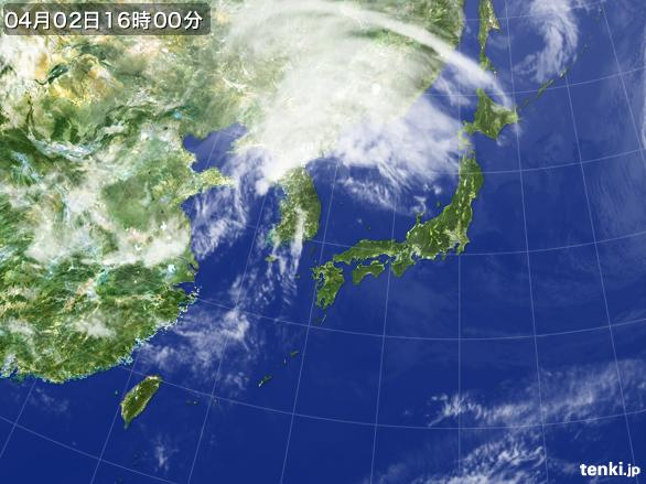 https://storage.tenki.jp/archive/satellite/2015/04/02/16/00/00/japan-near-large.jpg