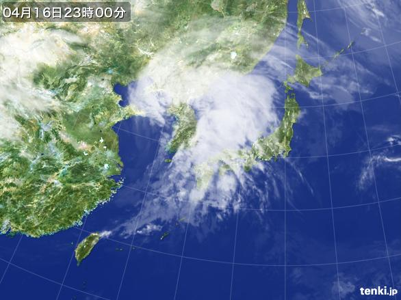 https://storage.tenki.jp/archive/satellite/2016/04/16/23/00/00/japan-near-large.jpg