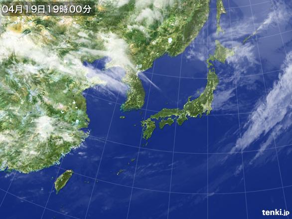 https://storage.tenki.jp/archive/satellite/2016/04/19/19/00/00/japan-near-large.jpg