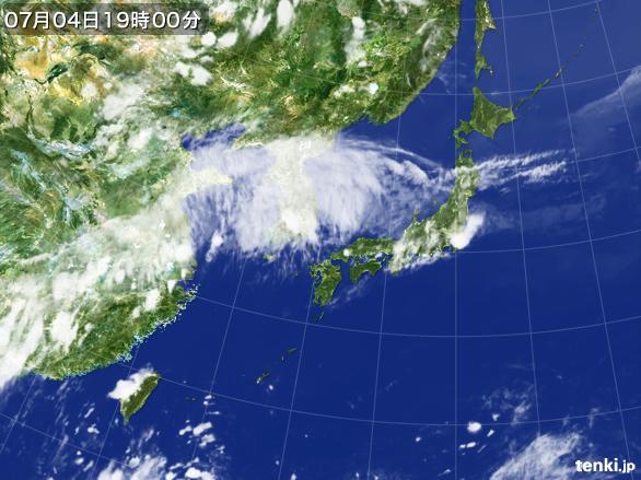 https://storage.tenki.jp/archive/satellite/2016/07/04/19/00/00/japan-near-large.jpg