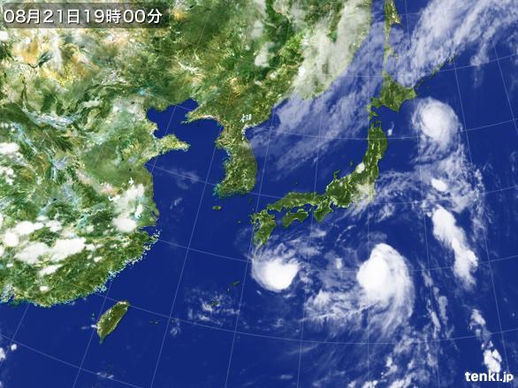 https://storage.tenki.jp/archive/satellite/2016/08/21/19/00/00/japan-near-large.jpg