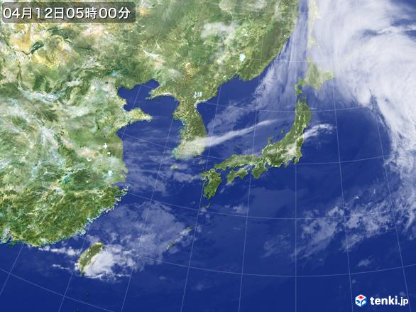 https://storage.tenki.jp/archive/satellite/2017/04/12/05/00/00/japan-near-large.jpg