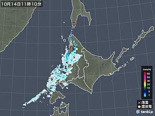 北海道 前線通過で局地的に雨や雷雨 山では雪の可能性も