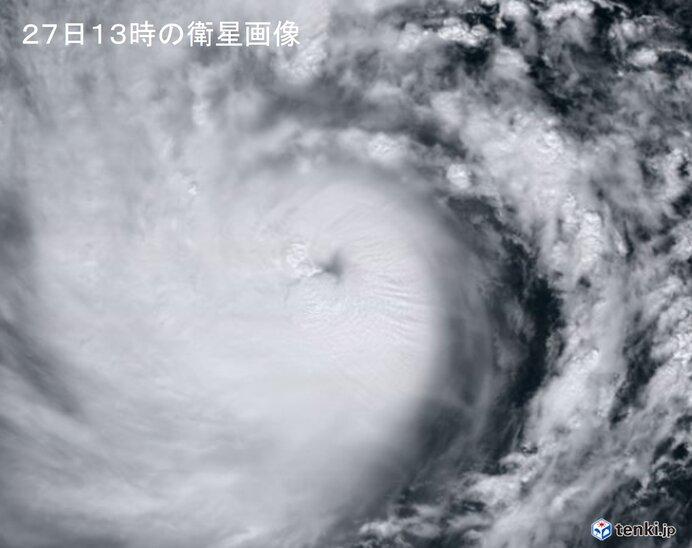 台風18号「非常に強い」勢力に