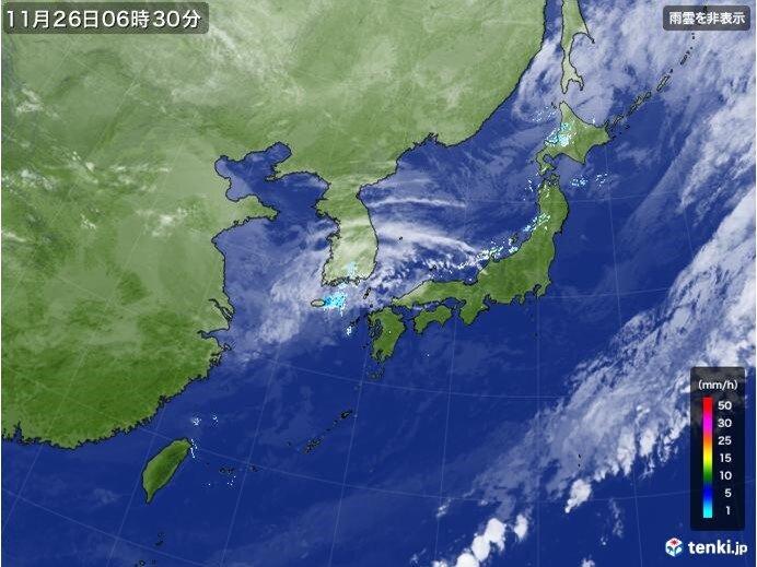日本海側を中心に所々で雨や雪