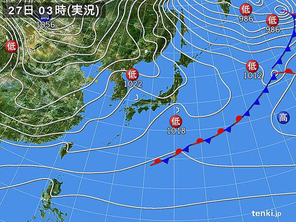 2つの低気圧 日本海と関東沖をそれぞれ東進