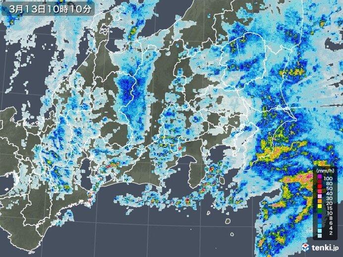 関東 沿岸部を中心に活発な雨雲 ザーザー降りの雨