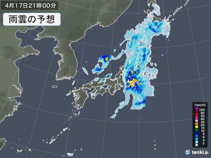 夜は東海や関東で激しい雨も