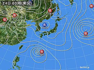 24日も 晴れる所が多い 沖縄は台風2号の影響で風が強く海は大シケ