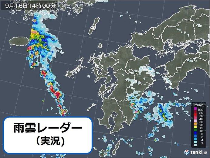 九州 西側は厳しい残暑 東側は雨雲発達