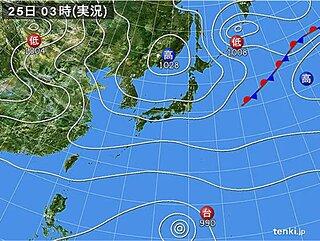 25日も広く晴れ ただ 関東や東海など 太平洋側はにわか雨の所も 念のため雨具を