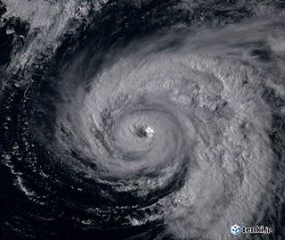 台風13号 交通機関に影響か ピークは?