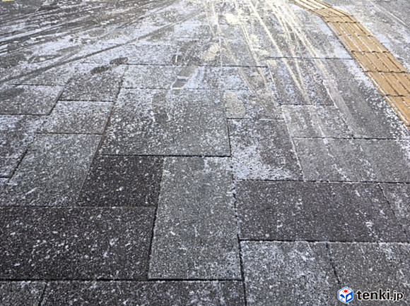 13日朝も積雪や路面凍結に注意