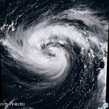 台風19号は勢力強め北上 台風のたまごも