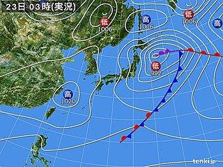 23日 関東は不安定 夜桜には傘を