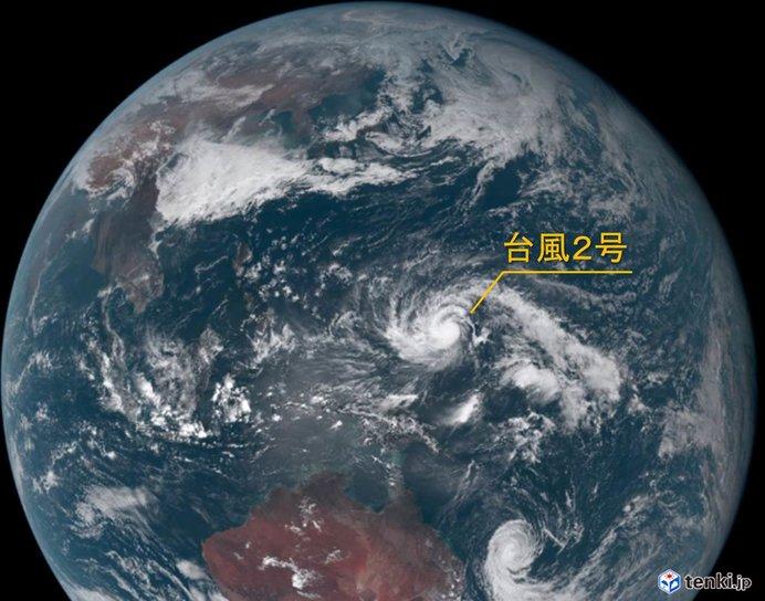 台風2号 2月では珍しい発達予想