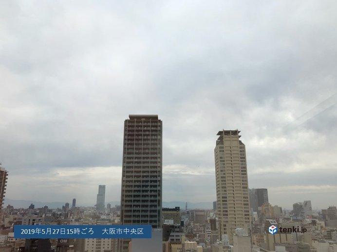 近畿 あす28日は雨に。季節外れの暑さおさまる。