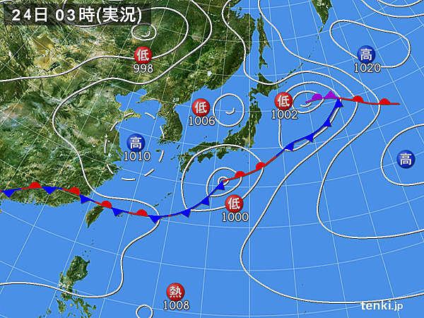 24日 関東は局地的な大雨 沖縄に発達した雲