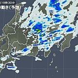 帰宅時に再び雨強まる あす急に暑くなる 関東甲信
