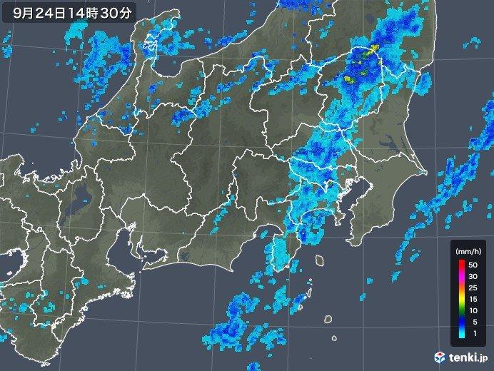 関東に南北に延びる雨雲 東京都心も雨降り出す