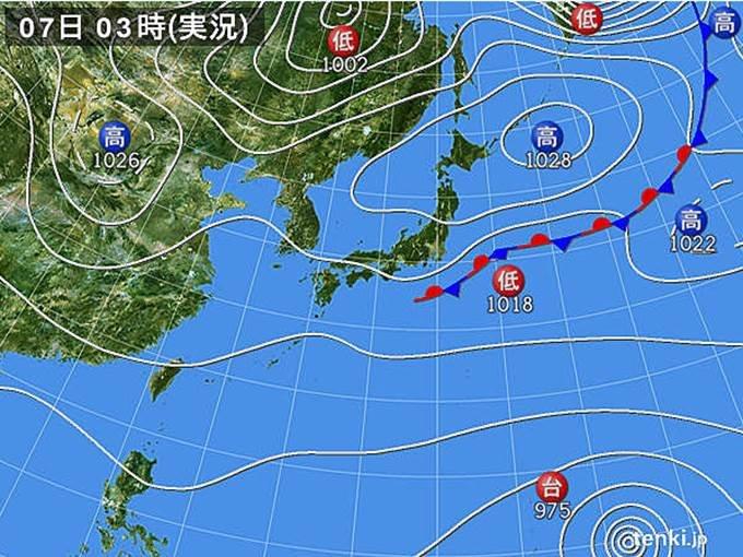 台風19号 急速に発達中