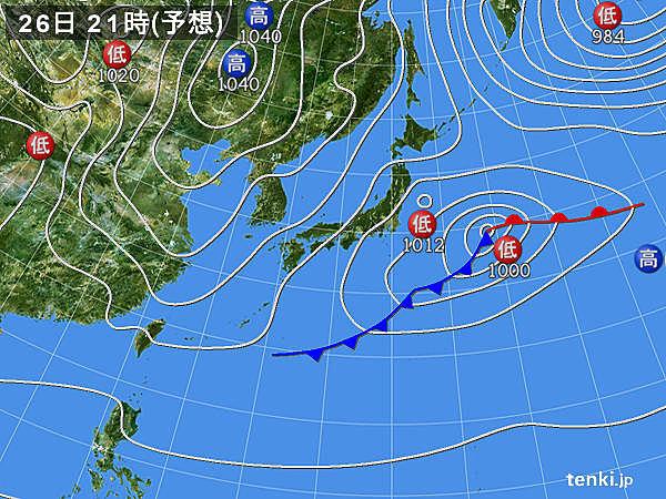関東など 夜も傘の出番に