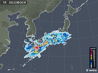 九州南部に活発な雨雲 午後は四国や近畿・北陸でも雷雨や大雨