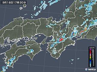 近畿や東海 秋雨前線に伴う「ライン状の雨雲」