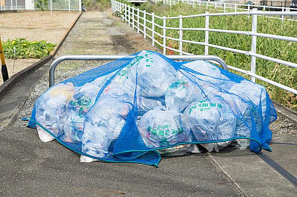 ゴミはカラスにとってのエサ場
