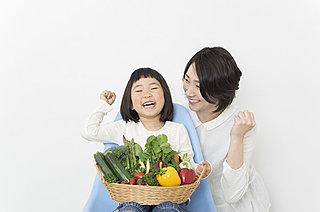 """なんでもかんでも野菜室に入れるのはNGです!  野菜によって異なる""""最適保存方法""""とは?"""