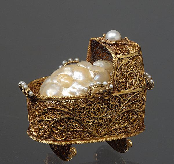 終焉…一族最後のアンナの子宝祈願のゆりかごと真珠