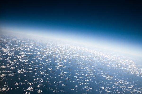 話題の「成層圏体験ツアー」とは!? 成層圏発見の日。