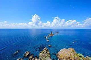 どこまでも青い「積丹ブルー」。北海道の夏の海の青さったら!!