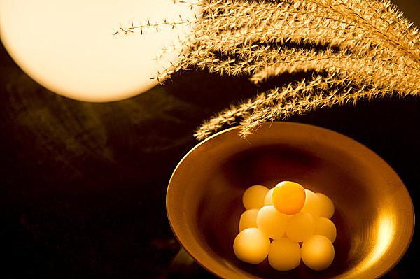 すすきを稲穂に見立てて、米の豊作を祈願