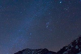 秋から冬へ…冬の星座・オリオン座から一足先に流星がご挨拶