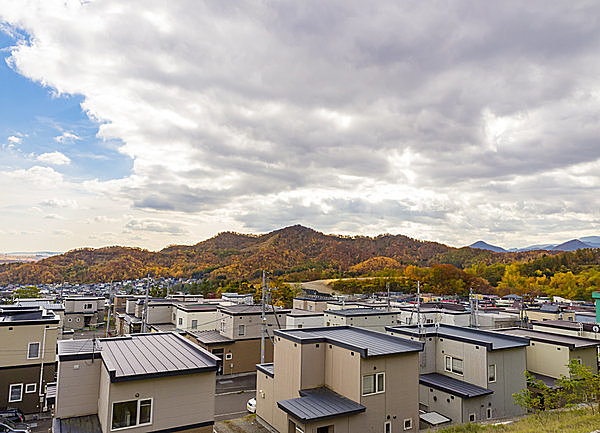 平らな屋根の住宅が増えている。