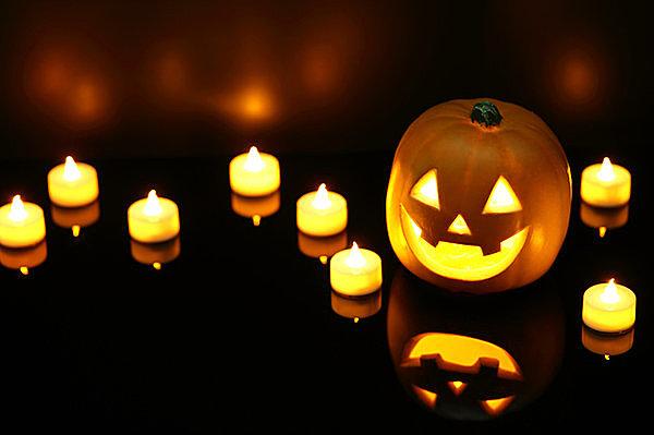 賑やかなお祭りの日本のハロウィンは、古代ケルトの収穫祭が起源!!