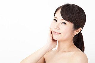 今日11月12日は「皮膚の日」。乾燥に負けない、いま、注目の肌ケアって?