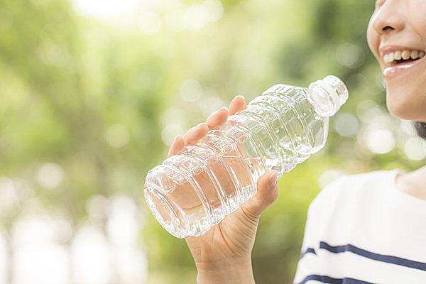 意識的に水を飲むことを習慣化してしまおう!
