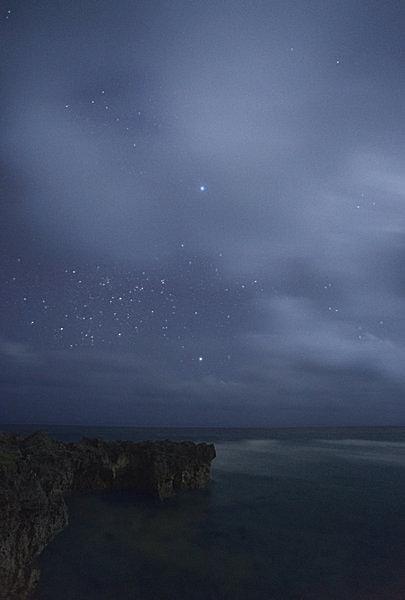 沖縄・波照間島で撮影された、シリウスとカノープス