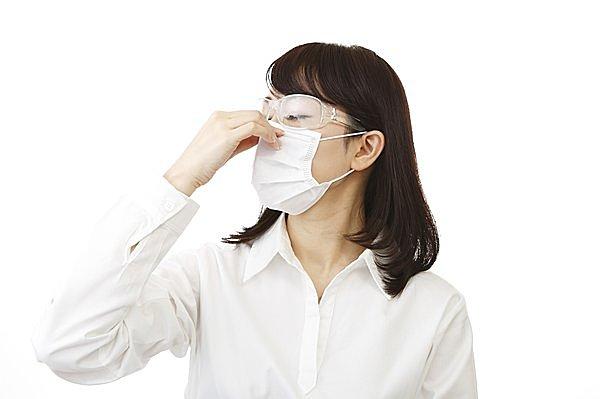 これからの時季、マスクとメガネは必需品!