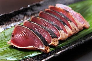 「初ガツオ」が北上してきた!! たたきで食べたい、初夏を感じる旬の味。
