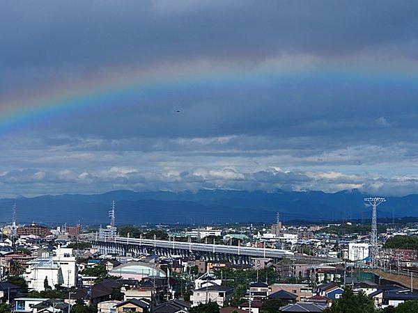 虹色の龍がゆきます