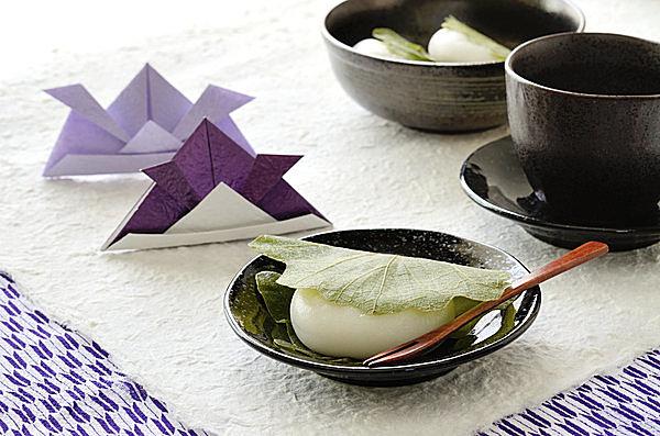 東日本では柏もちがメジャー