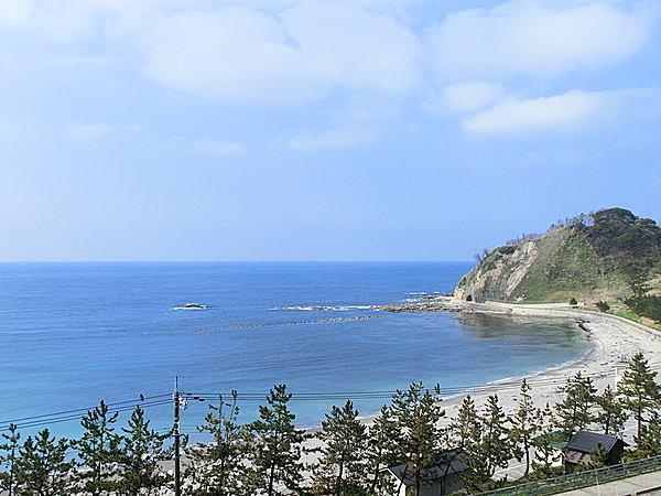 白い砂浜の美しい海岸(袖ヶ浜海水浴場・石川県輪島市)