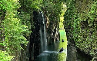 夏休みに行きたい沖縄・宮崎県の名瀑でパワーチャージ!【レジャー特集・2017】